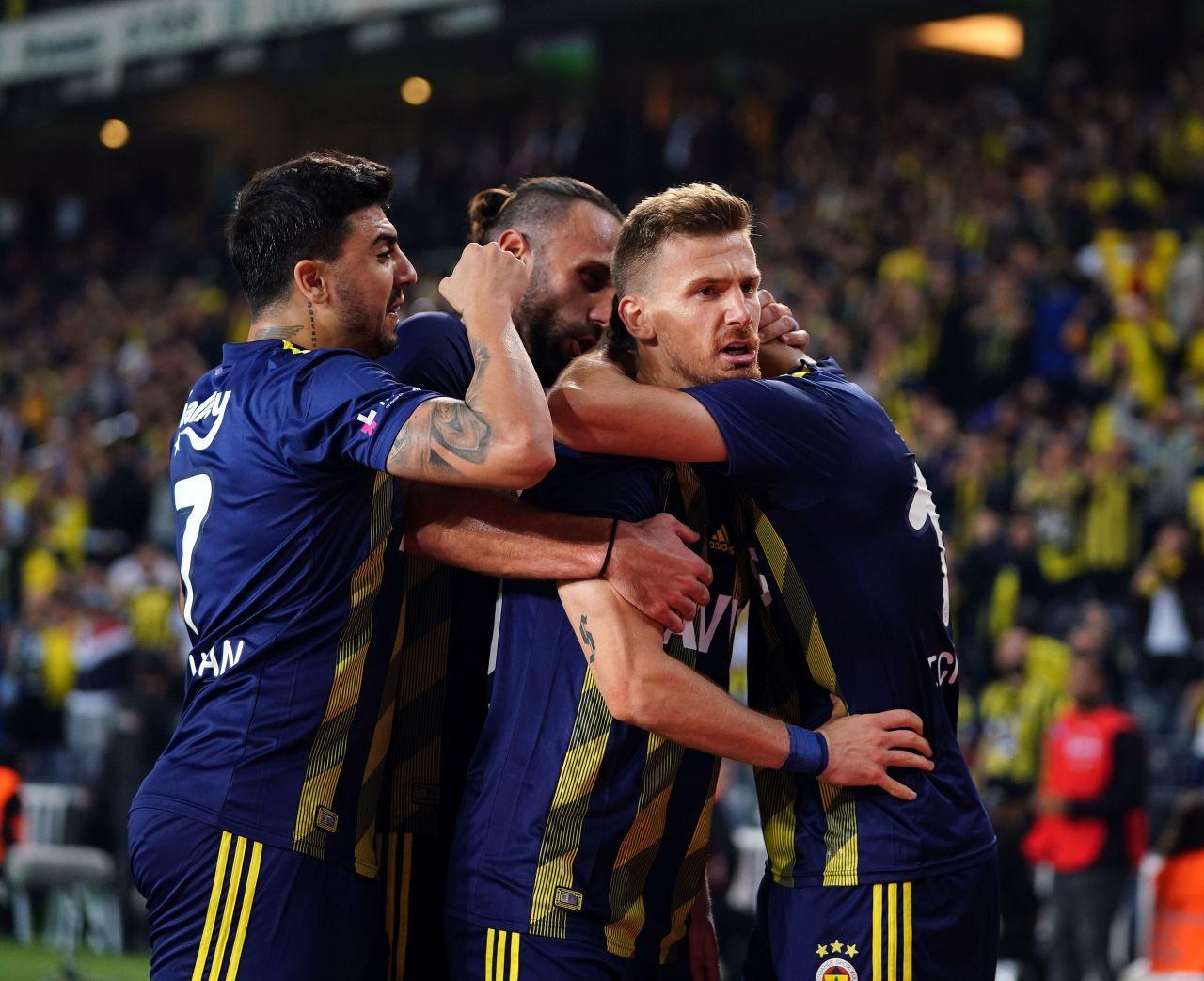Fenerbahçe  Kasımpaşa Maçından Unutulmaz Kareler, Geniş Özeti ve Golleri İzle - Sayfa 4