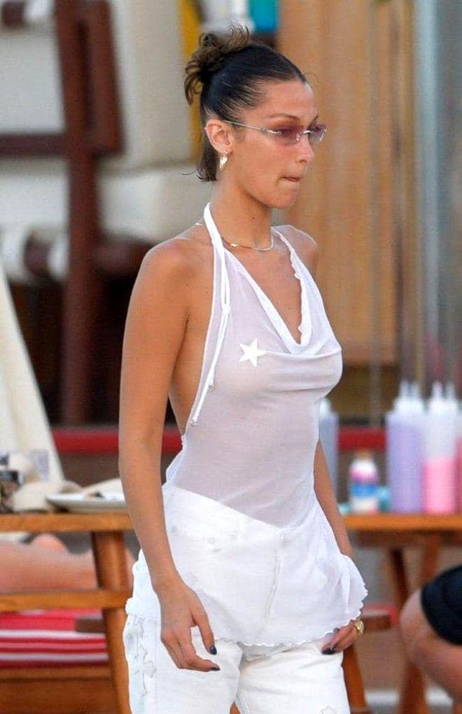 Ünlü model transparan kıyafetiyle görenleri yürek hoplattı ! - Sayfa 2