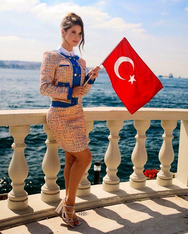 Amanda Cerny'den gururlandıran Türk Bayraklı pozlar ! - Sayfa 1