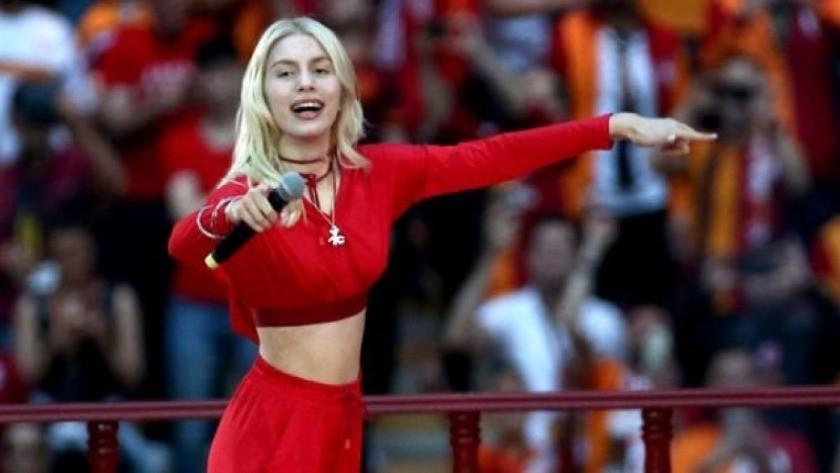 Gençlik ve Spor Bakanlığı'ndan Aleyna Tilki'ye 'ilham' ödülü