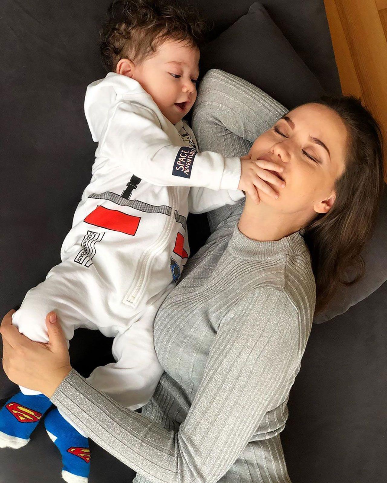 Fahriye Evcen oğlunun yüzünü ilk kez gösterdi ! - Sayfa 4