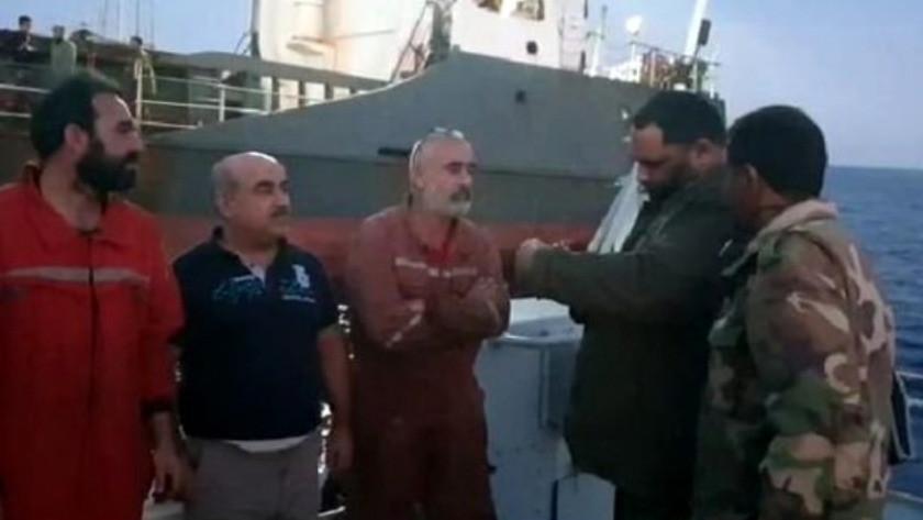 Libya'da Türklerin olduğu gemiye el koydular !