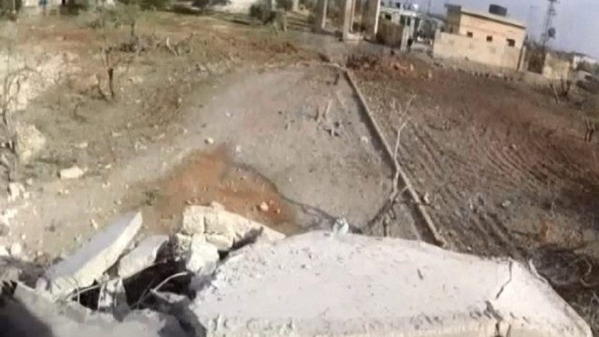 Esad rejimi ve Rus savaş uçakları Halep'i vurdu
