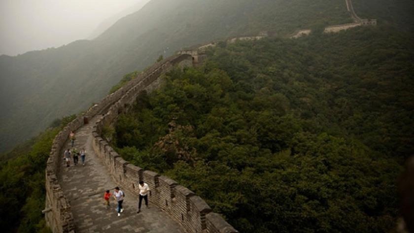 Çin seddi'ne bile ziyarete yasaklandı!