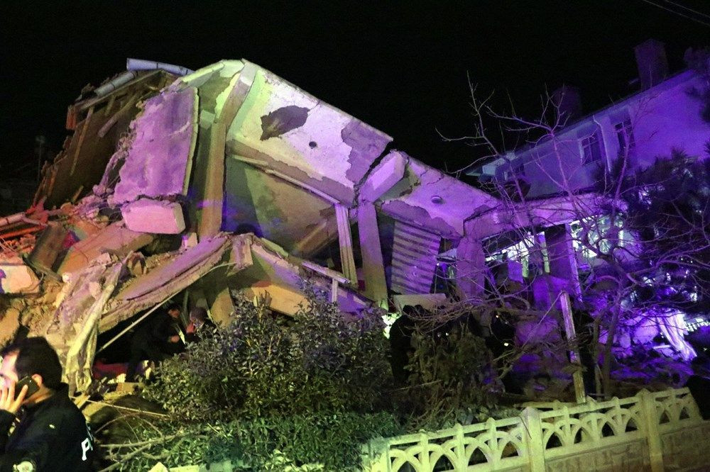 Elazığ deprem bölgesinden kareler - Sayfa 4