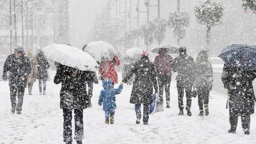 Eğitime kar engeli: İşte okulların tatil edildiği iller