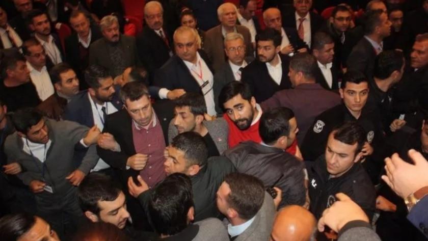 CHP Mersin kongresinde de gerginlik yaşandı !