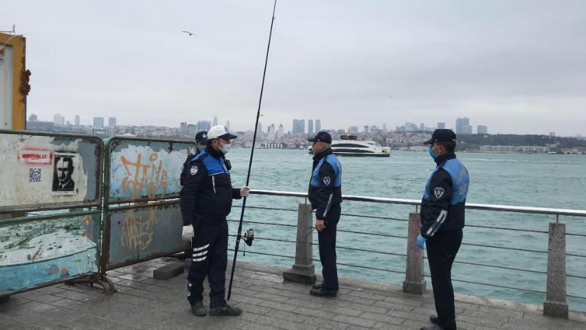 Üsküdar'da yasağa rağmen gizlenip balık tutarken böyle yakalandı