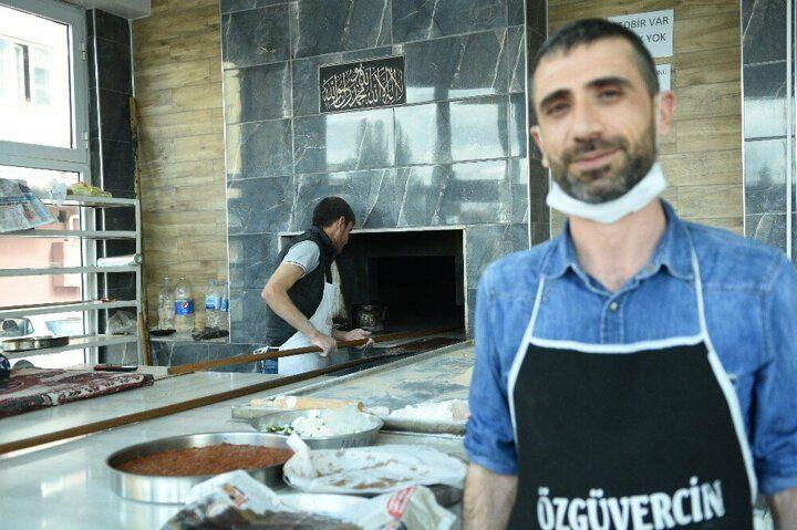 Şanlıurfa'da mahalle fırıncısı işsizlere ücretsiz ekmek veriyor! - Sayfa 1