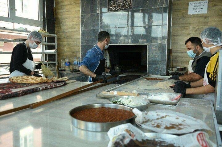 Şanlıurfa'da mahalle fırıncısı işsizlere ücretsiz ekmek veriyor! - Sayfa 4