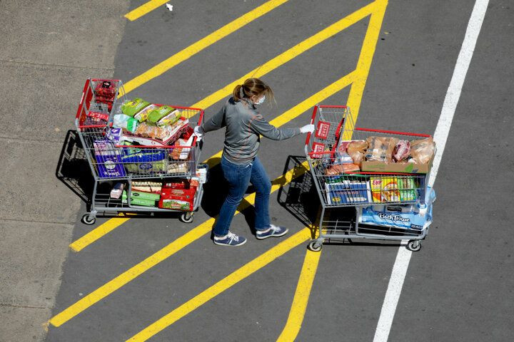 ABD'de süpermarketlerde uzun kuyruklar oluştu: Raflar boşaldı... - Sayfa 1