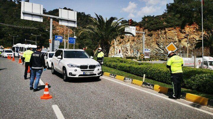 Uyarılara rağmen! Bodrum'da 25 günde 125 bin araç giriş yaptı - Sayfa 3
