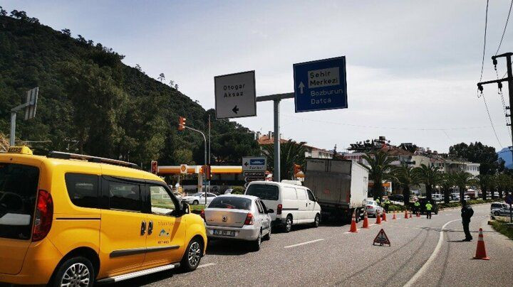 Uyarılara rağmen! Bodrum'da 25 günde 125 bin araç giriş yaptı - Sayfa 2