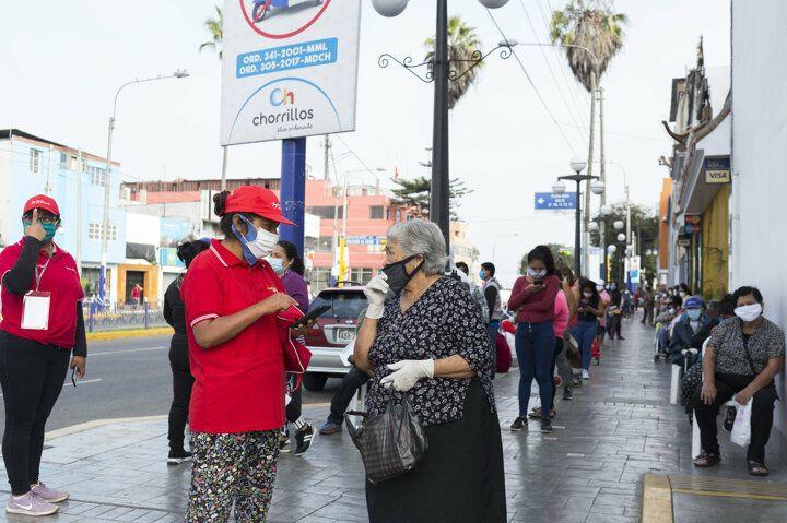 Peru'dan ilginç sokağa çıkma yasağı yöntemi! - Sayfa 4
