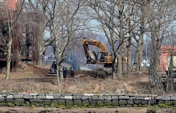 New York'ta mezarlıklarda yer kalmadı!Hükümet ölenleri nereye gömecek? - Sayfa 4