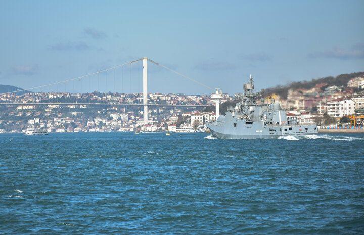 İstanbul Boğazı'nda hareketli anlar! Rus savaş gemileri... - Sayfa 1