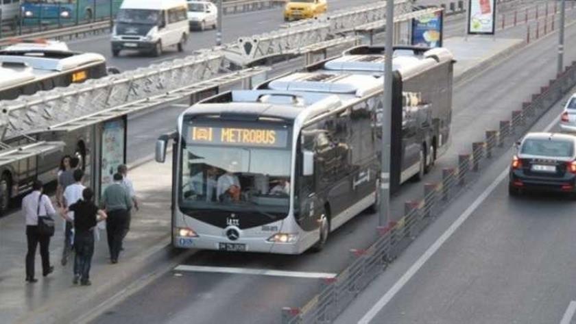 İBB ulaşım saatlerindeki o kısıtlamaya devam kararı aldı !