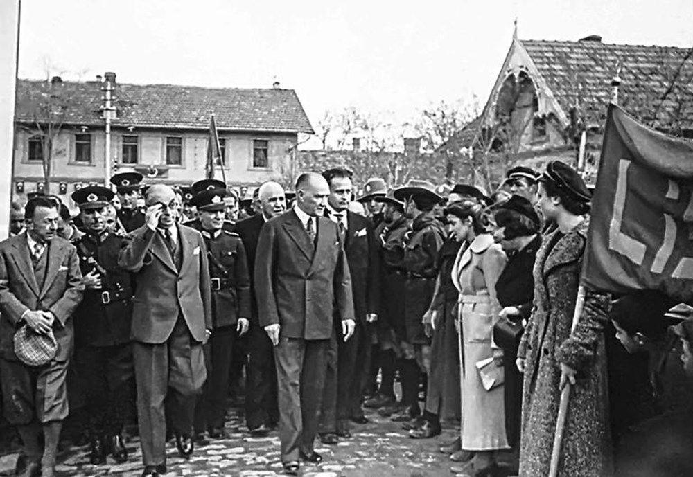 İşte Mustafa Kemal Atatürk'ün gençleriyle çeşitli dönemlerde çektirdiği az bilinen fotoğraflar... - Sayfa 1