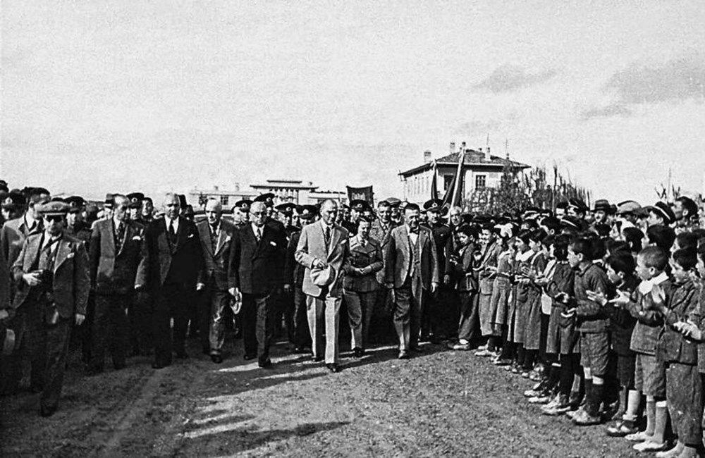 İşte Mustafa Kemal Atatürk'ün gençleriyle çeşitli dönemlerde çektirdiği az bilinen fotoğraflar... - Sayfa 2