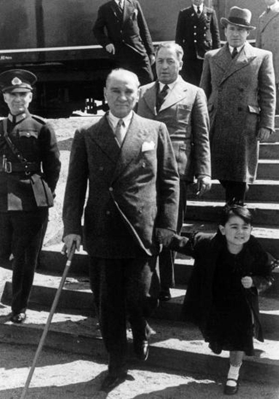 İşte Mustafa Kemal Atatürk'ün gençleriyle çeşitli dönemlerde çektirdiği az bilinen fotoğraflar... - Sayfa 3