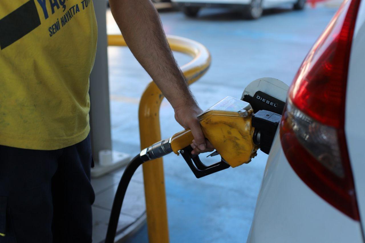 Benzin ve motorine büyük zam geldi!Benzin kaç lira oldu? - Sayfa 2