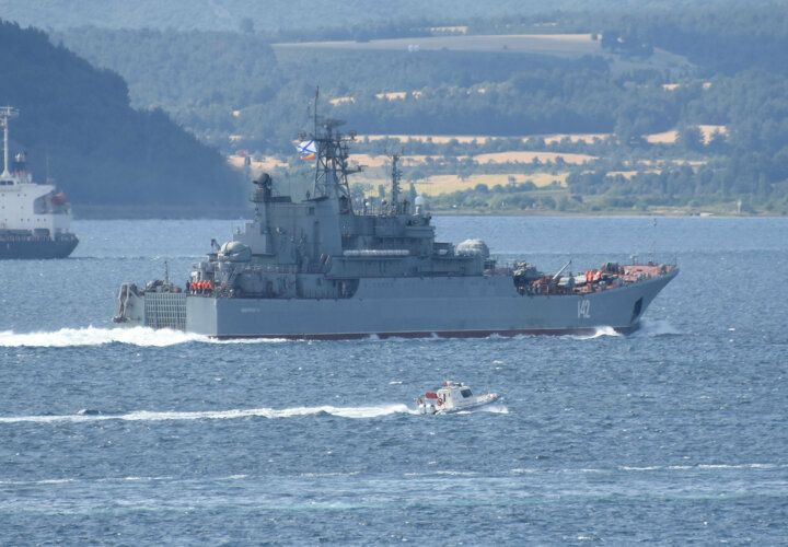 Rus savaş gemisi 'Novocherkassk', Çanakkale Boğazı'ndan geçti - Sayfa 4