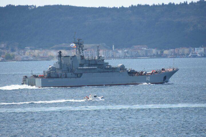 Rus savaş gemisi 'Novocherkassk', Çanakkale Boğazı'ndan geçti - Sayfa 3