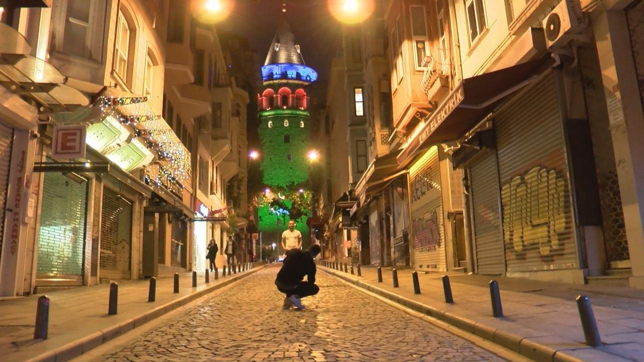 İstanbul'daki köprülerde Azerbaycan renkleri - Sayfa 1