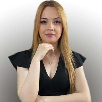 BÜŞRA BAYSAL    Astrolog - Yaşam Koçu