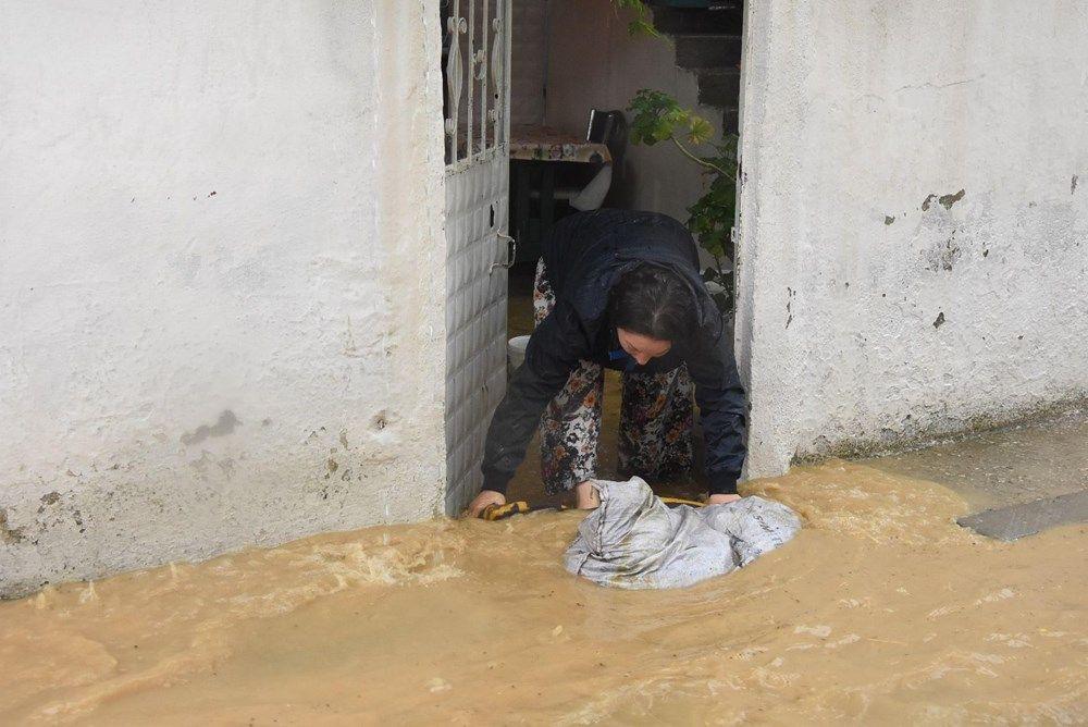 Sağanak yağış bu seferde İzmir'i vurdu! Evleri su bastı - Sayfa 4
