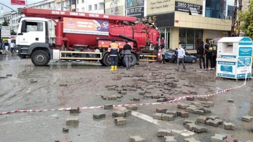 İstanbul Valiliği sağanak sonrası oluşan hasarın bilançosunu paylaştı