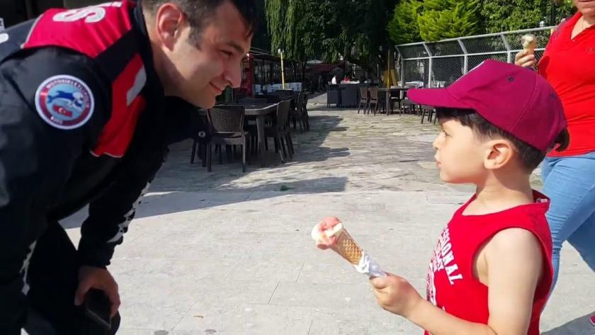 Küçük çocuk, şaka yapan Maraş dondurmacısını polise şikayet etti