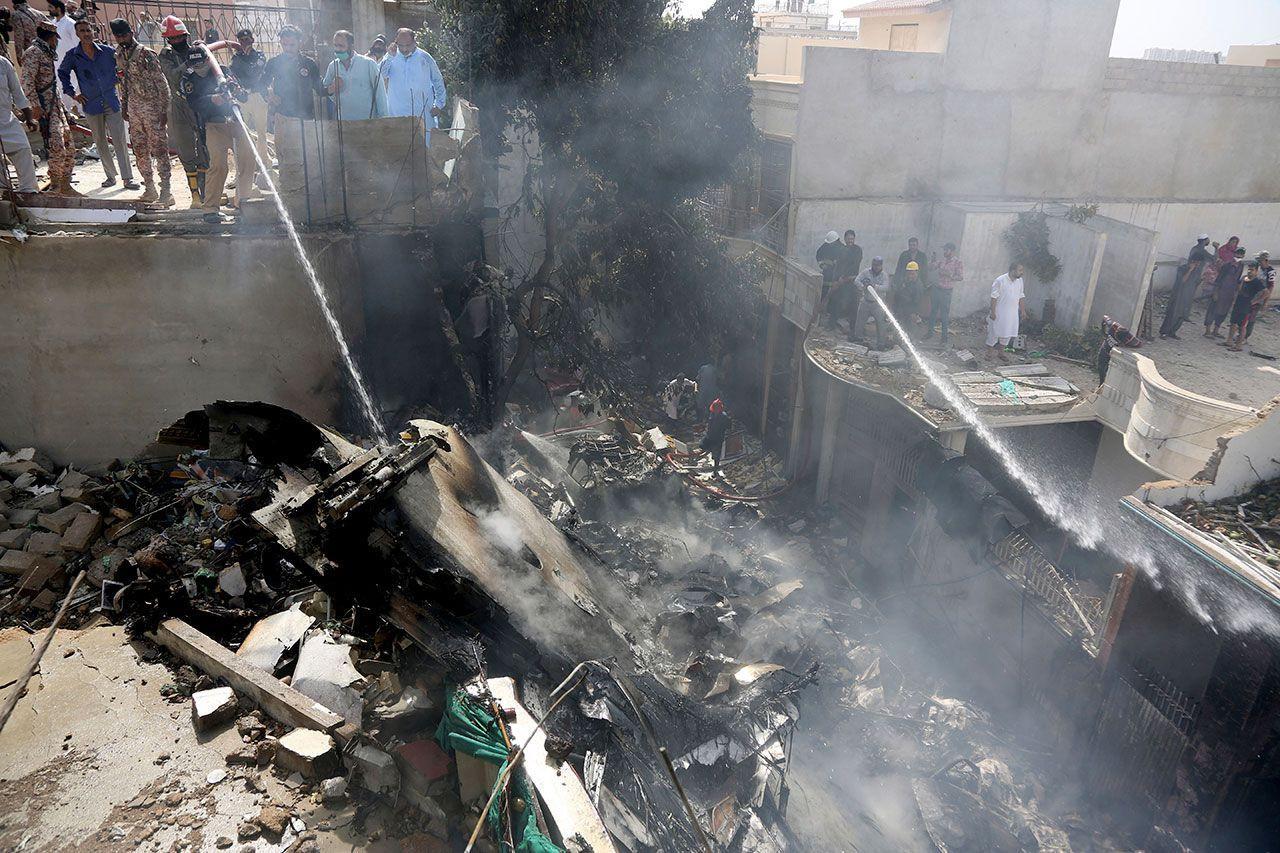 Pakistan 'da yolcu uçağını korona virüs düşürdü! - Sayfa 3