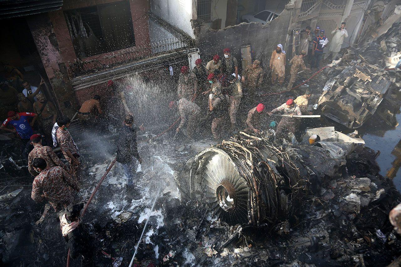Pakistan 'da yolcu uçağını korona virüs düşürdü! - Sayfa 4