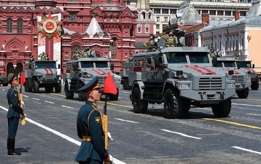 Putin, Moskova'da askeri geçit töreni düzenlenmesiyle gündem oldu! - Sayfa 4