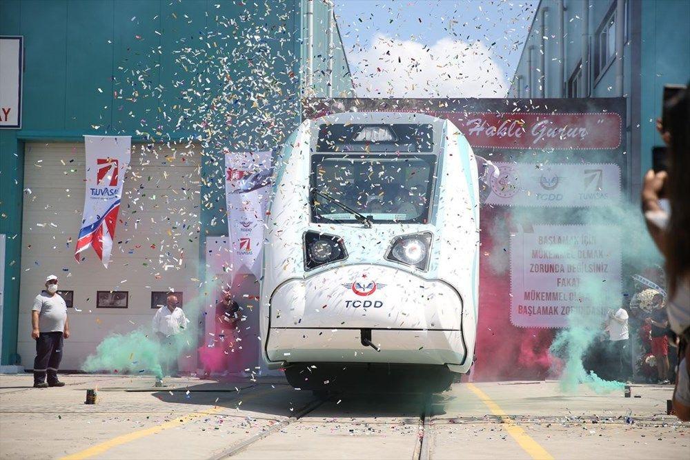 İlk sürüşü Cumhurbaşkanı Erdoğan yapacak! Türkiye'nin ilk yerli elektrikli treni raylarda - Sayfa 1