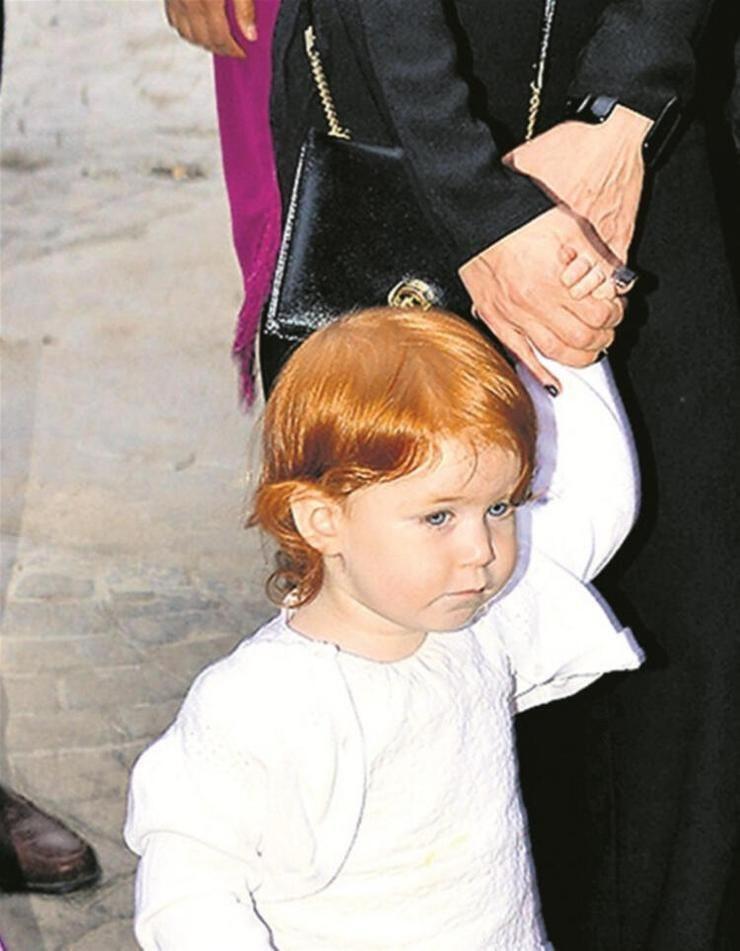 Athena Gökhan'ın bir ilk kez kızının fotoğrafını paylaştı ! - Sayfa 1