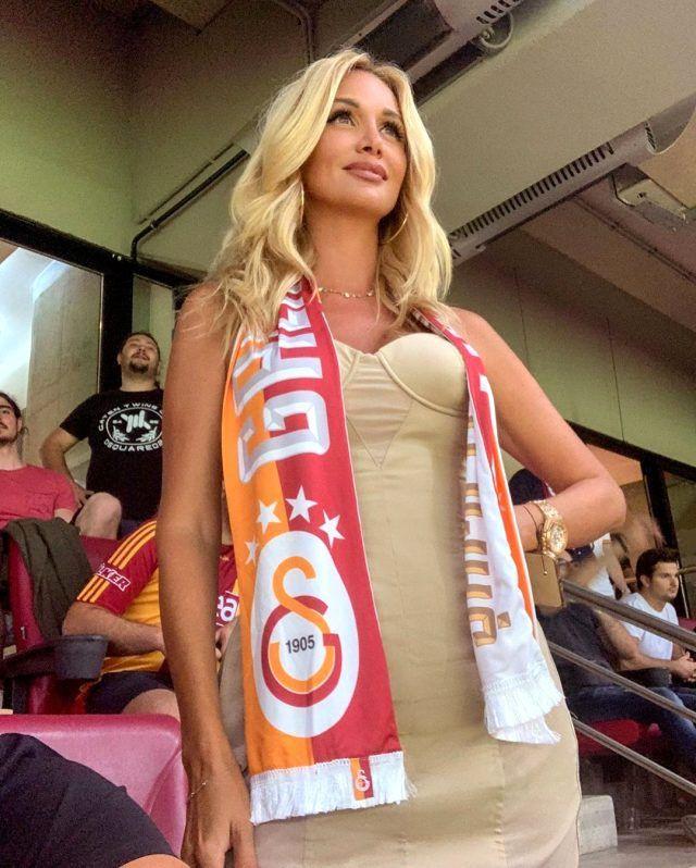 Galatasaray taraftarı Rus güzel Victoria Lopyreva, Antalya'nın havasını ısıttı! - Sayfa 3