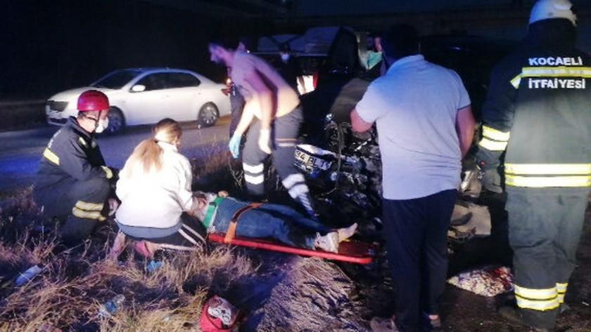 Kocaeli'nde feci kaza! Yaralılar yola savruldu