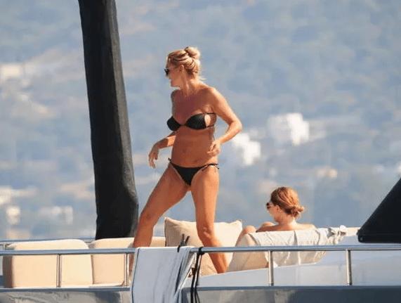 Bikinili yakalanan Pınar Altuğ fiziğiyle yıllara meydan okuyor! - Sayfa 2