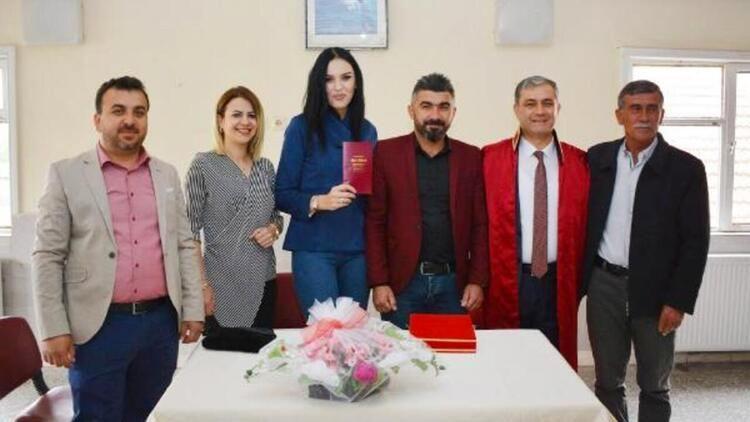 İYİ Partili Başkan Halil Öztürk'ün 'yasak aşk' iddiası için eşi Meltem Öztürk ne dedi? - Sayfa 3