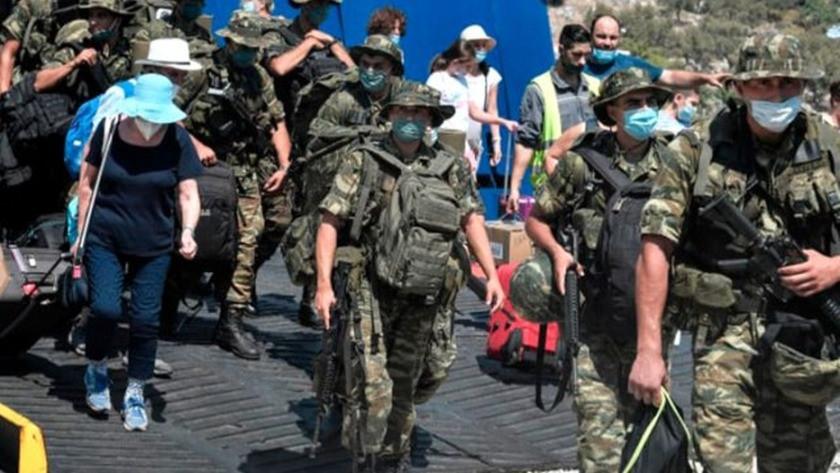 Yunanistan, silahlandırılması yasak olan adaya asker çıkardı