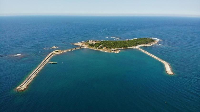 Kocaeli'de güzelliğiyle büyüleyen adanın tek ailesi