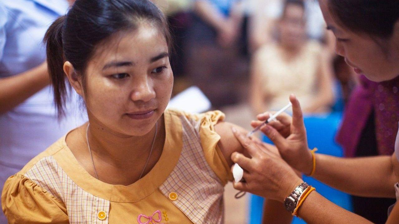Çin'in koronavirüs aşısı fena patladı! Aşı olan kadın koronavirüse yakalandı - Sayfa 1