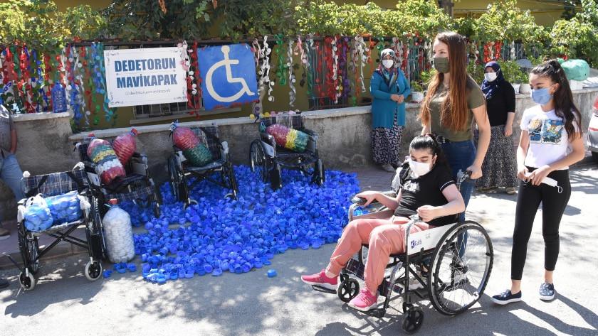 Dede- torun, mavi kapakla 373 engelliye tekerlekli sandalye sağladı