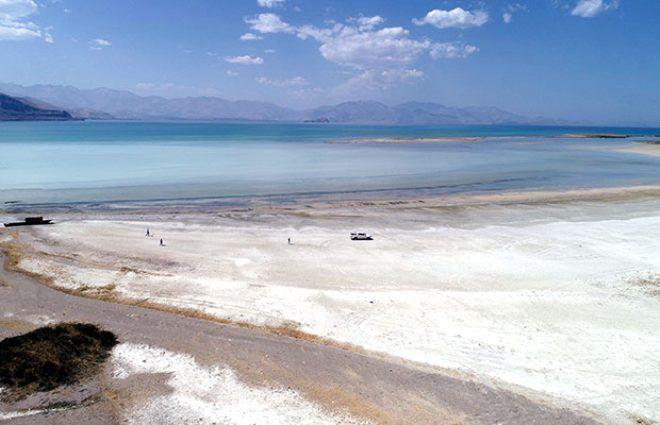Türkiye'nin en büyük gölünde su seviyesi 1 metreye düştü! - Sayfa 4