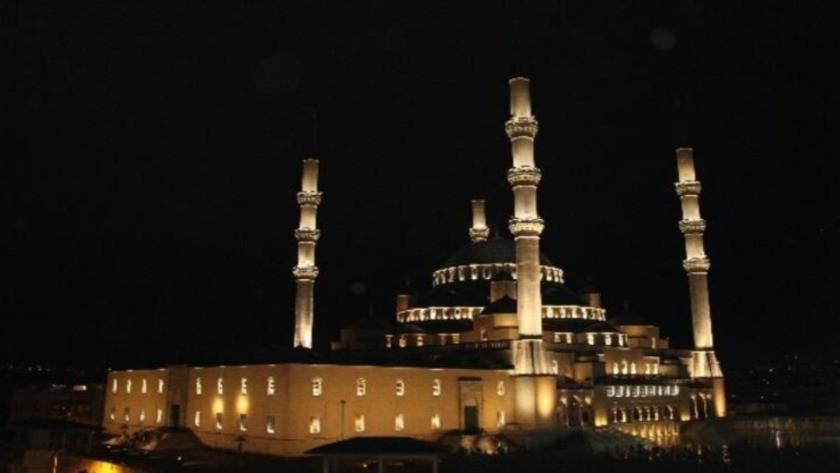 Kunut duası Arapça okunuşu ve Türkçe anlamı nedir?