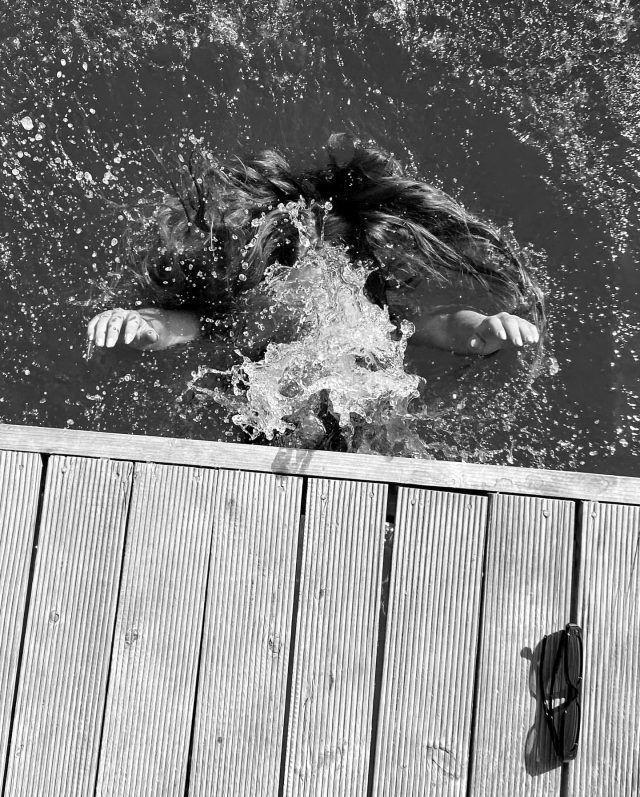 Serenay Sarıkaya'dan deniz kızı pozları! - Sayfa 3