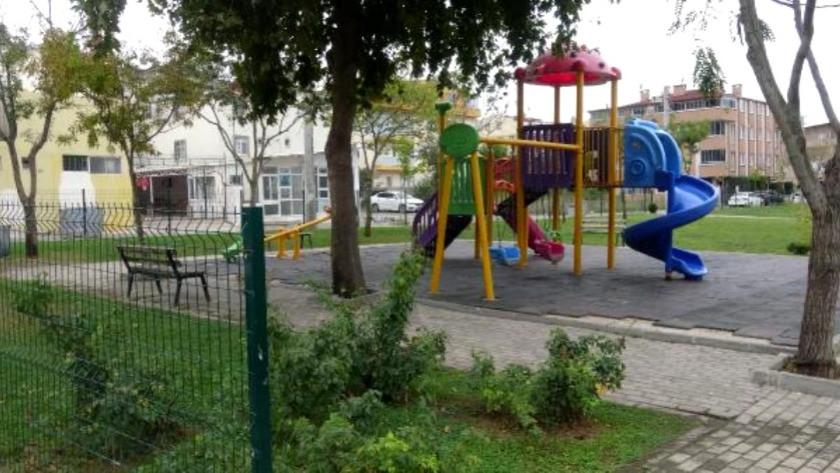 Sapıklığın bu kadarına pes! Parkta çocuklara cinsel organını gösterdi!