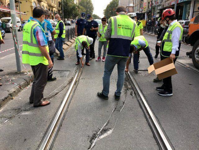 Laleli'de büyük panik yaşandı! Laleli'de tramvay ile tur otobüsü çarpıştı! - Sayfa 1